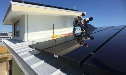 10-years-after-hurricane-katrina-a-new-solar-array-is-being-installed-in-the-historic-lower-ninth_t20_1WNxkY
